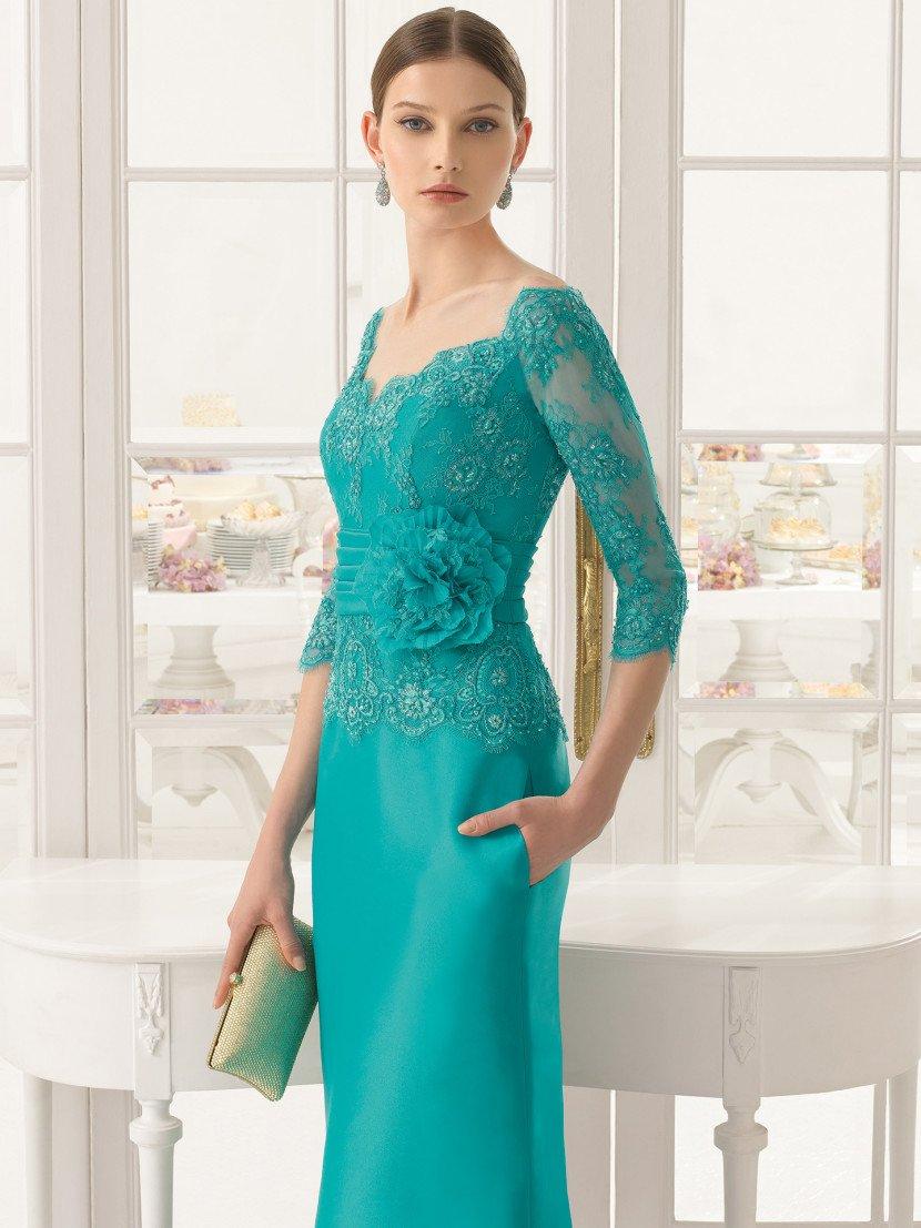 Бирюзовое вечернее платье с рукавами.