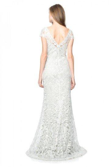 Серебристое блестящее вечернее платье в пол.