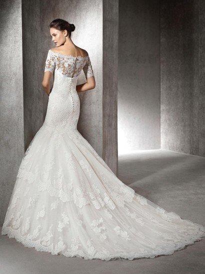 Кружевное свадебное русалка с портретным декольте.