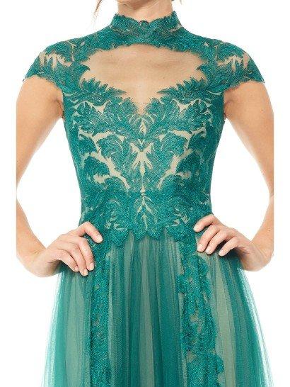 Изумрудное вечернее платье.