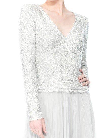 Серебристое платье с длинными рукавами Tadashi Shoji.