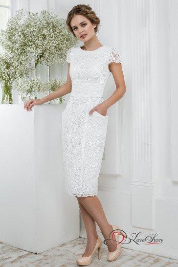Недорогое короткое свадебное платье.
