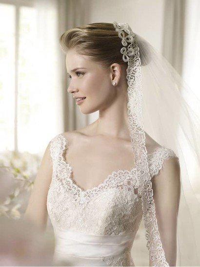 Лаконичное свадебное платье русалка.