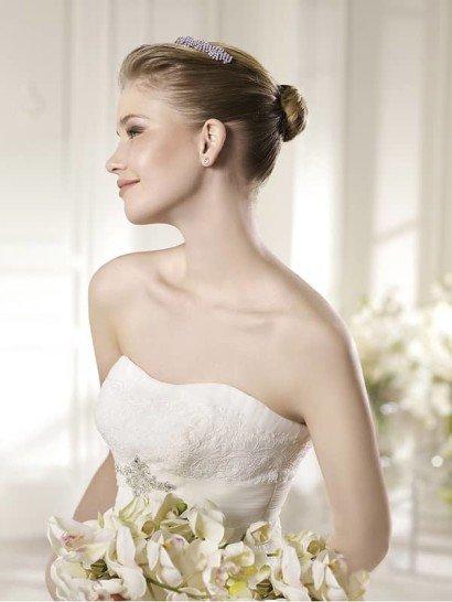 Открытое кружевное свадебное платье А-силуэта. ➌ Примерка и подгонка платьев  ✆ +7 495 627 62 42 ★ Салон Виктория Ⓜ Арбатская Ⓜ Смоленская