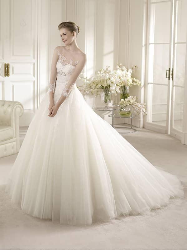 Пышное свадебное платье со шлейфом и прозрачными рукавами. ➌ Примерка и подгонка платьев  ✆ +7 495 627 62 42 ★ Салон Виктория Ⓜ Арбатская Ⓜ Смоленская