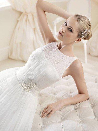 Пышное белое свадебное платье со шлейфом. ➌ Примерка и подгонка платьев  ✆ +7 495 627 62 42 ★ Салон Виктория Ⓜ Арбатская Ⓜ Смоленская