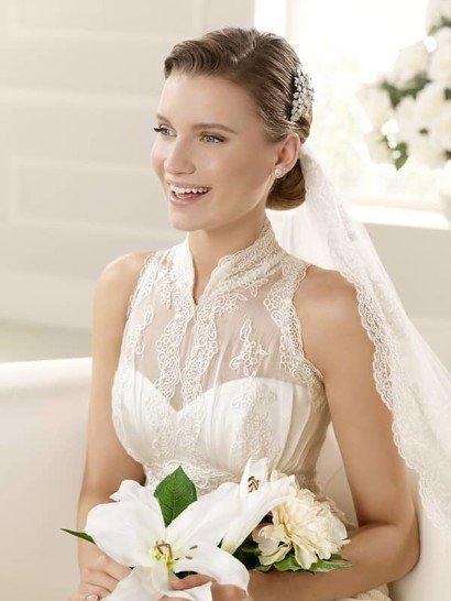 Узкое свадебное платье с необычным воротничком. ➌ Примерка и подгонка платьев  ✆ +7 495 627 62 42 ★ Салон Виктория Ⓜ Арбатская Ⓜ Смоленская