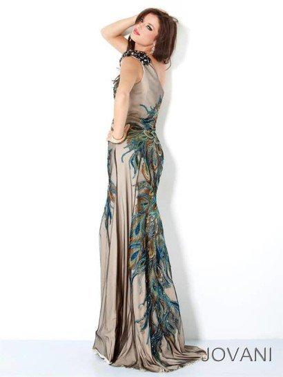 вечернее платье с бретелью через одно плечо.