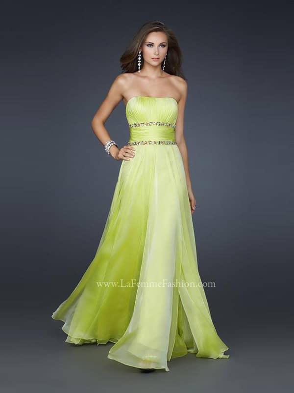 Открытое длинное вечернее платье для выпускного бала из шифона.