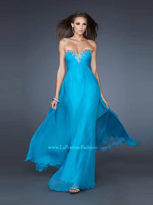 Недорогое вечернее платье.