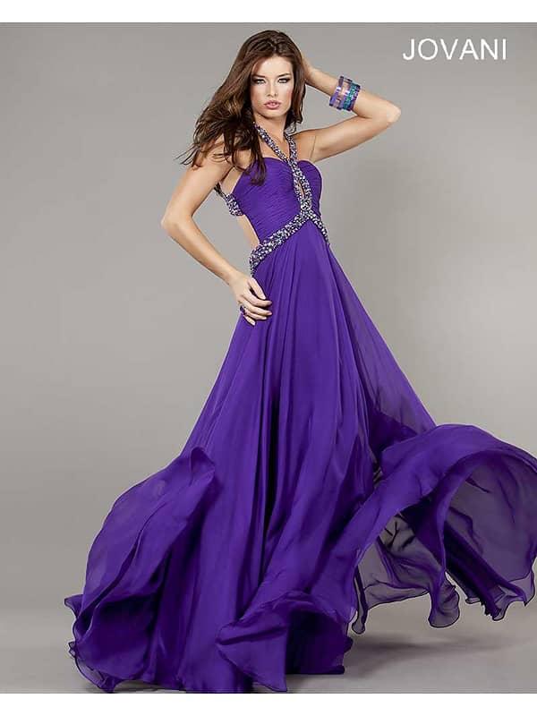Фиолетовое вечернее платье в пол.