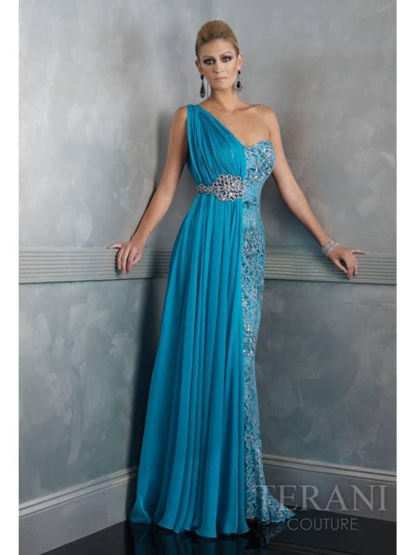 Асиметричное длинное вечернее платье.