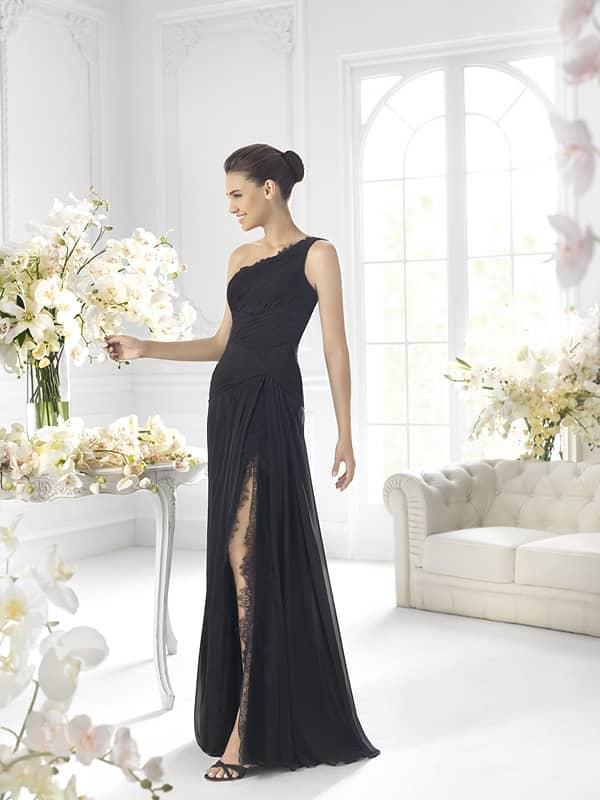 Элегантное чёрное вечернее платье через одно плечо.