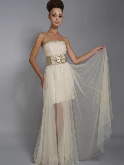 Элегантное открытое свадебное платье с короткой нижней юбкой и длинной верхней, из прозрачной органзы.