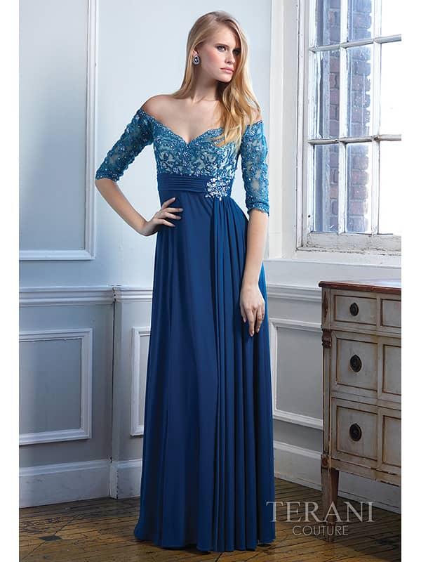 Вечернее платье в пол декольте