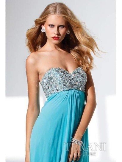 Элегантное открытое вечернее платье с ампирной линией талии.