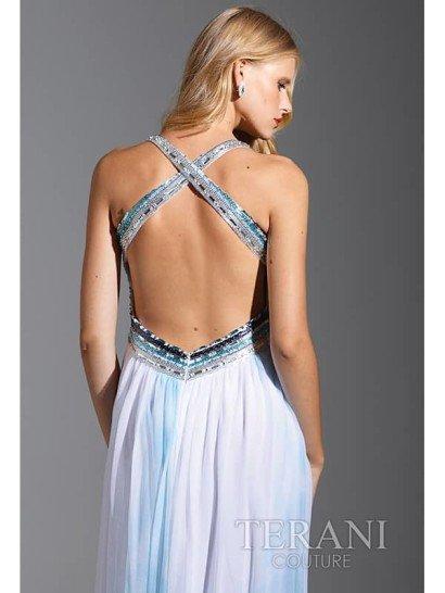 Недорогое длинное вечернее платье с открытой спиной.
