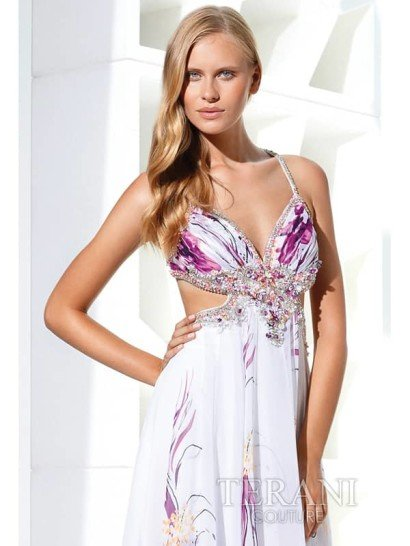 Очаровательное вечернее платье с подчёркнуто женственной интонацией.