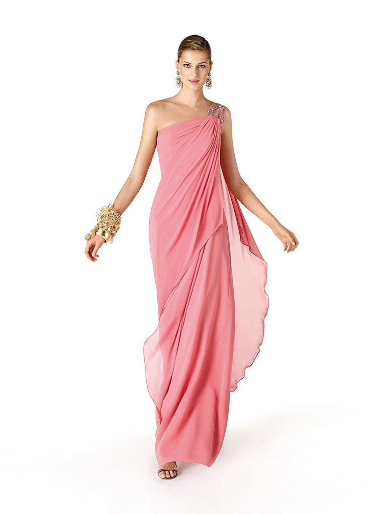 Вечернее недорогое платье в греческом стиле.