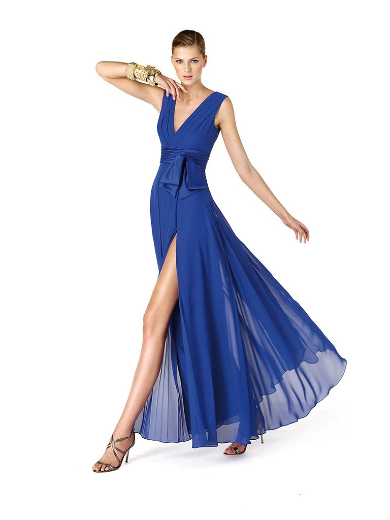 Элегантное синее шифоновое вечернее платье.