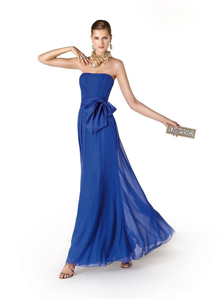 Синее вечернее платье с бантом.