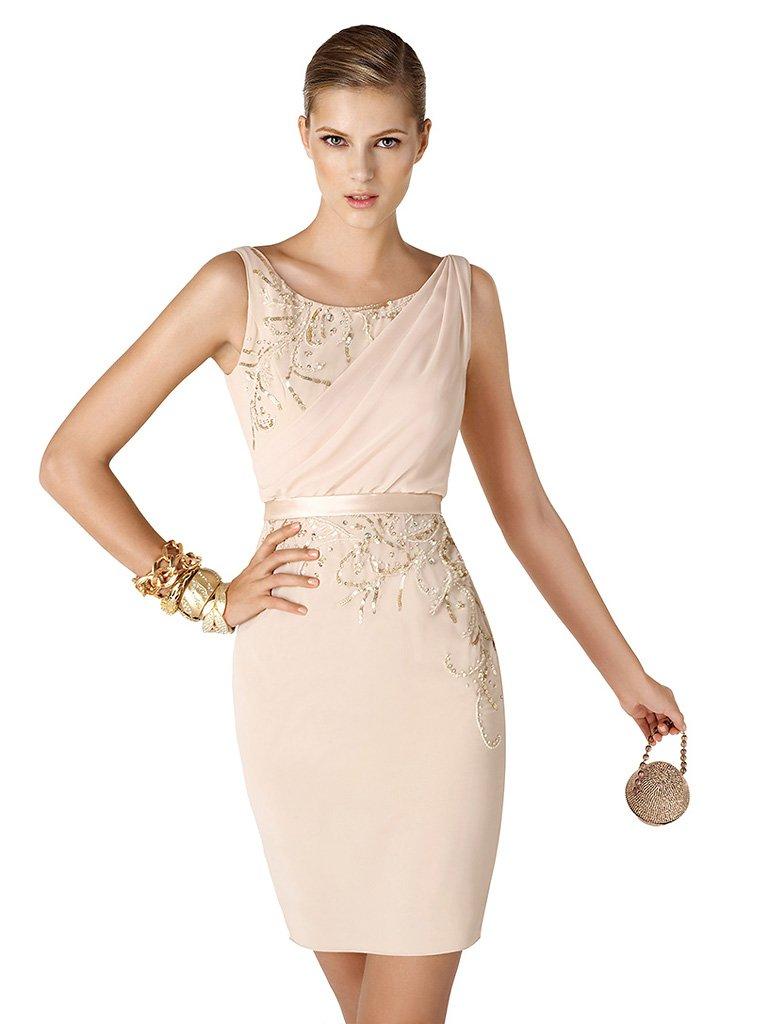 Элегантное короткое вечернее платье.
