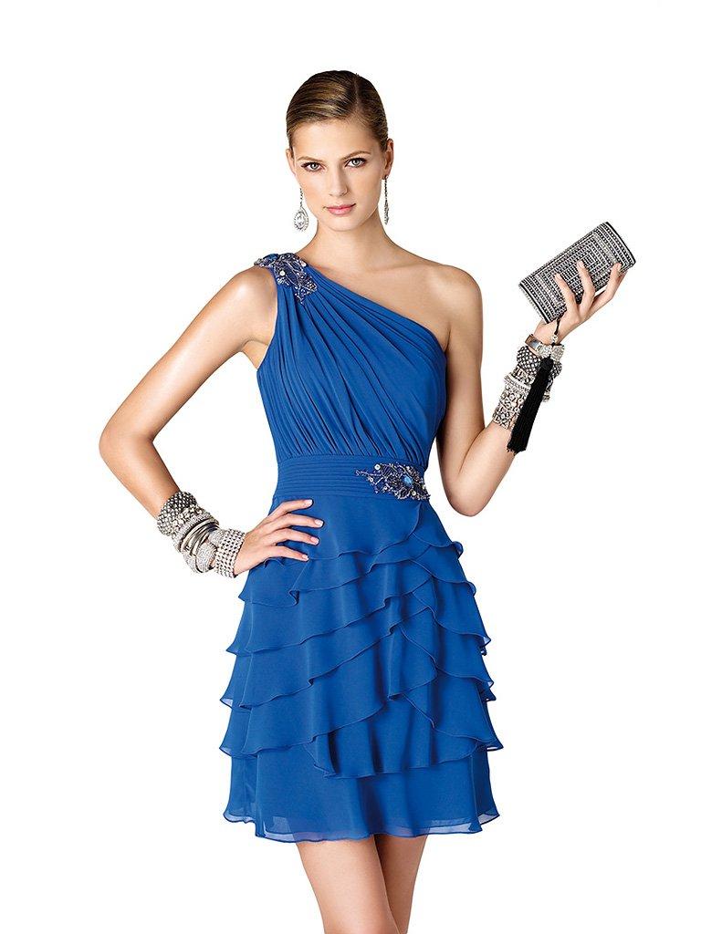 Короткое шифоновое вечернее платье.