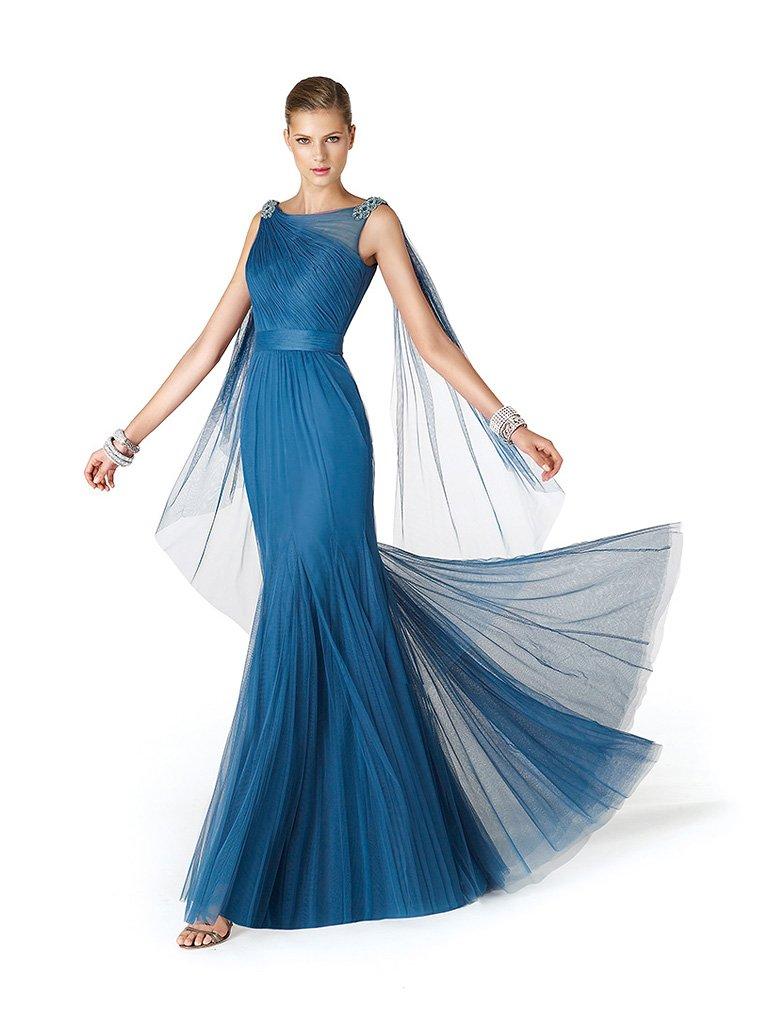 Синее вечернее платье с поясом.