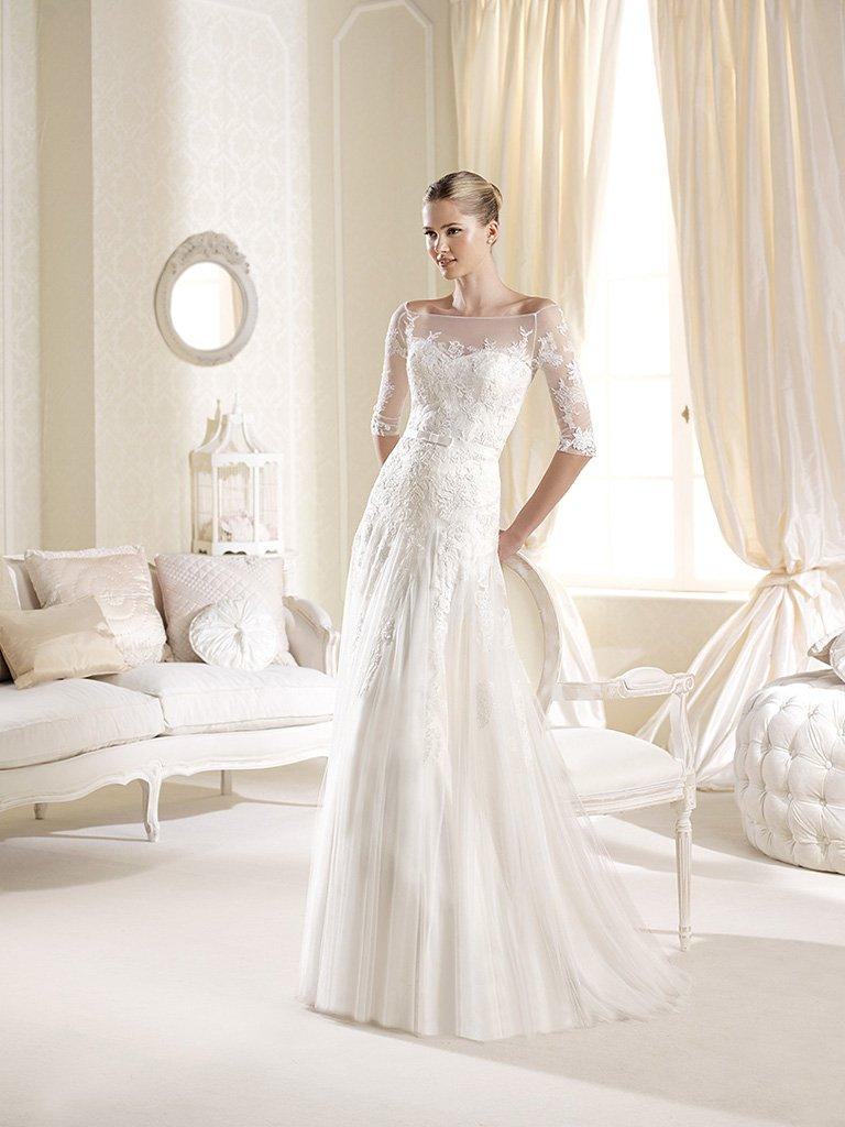 Облегающее свадебное платье .