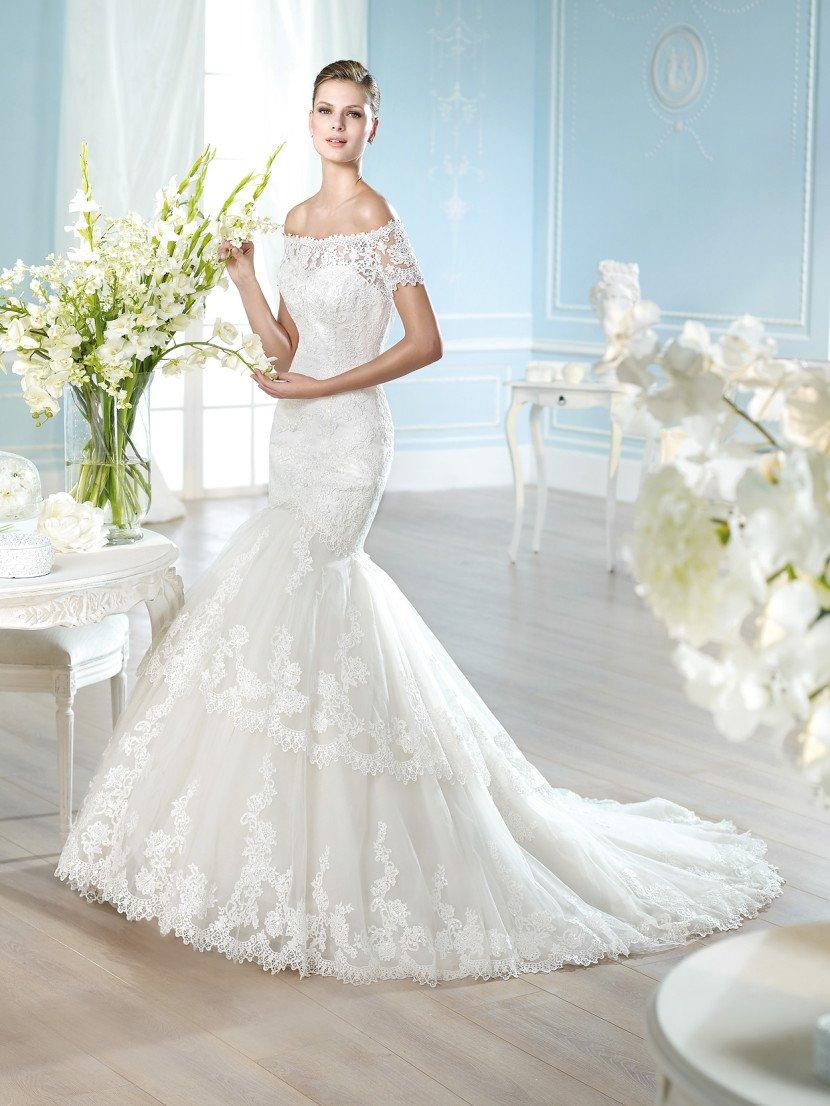 Кружевное свадебное платье силуэта русалка.