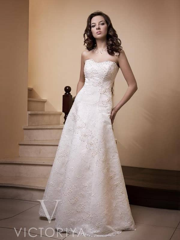 Недорогое свадебное платье в пол