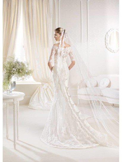 Узкое кружевное свадебное платье La Sposa.