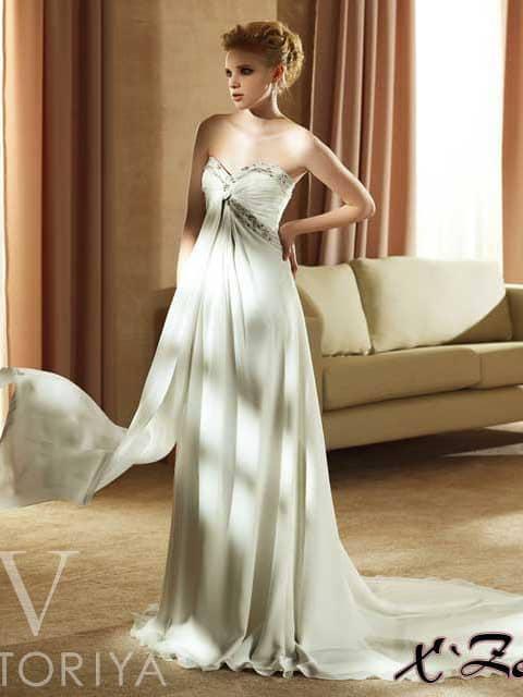 Открытое свадебное платье по демократичной цене.