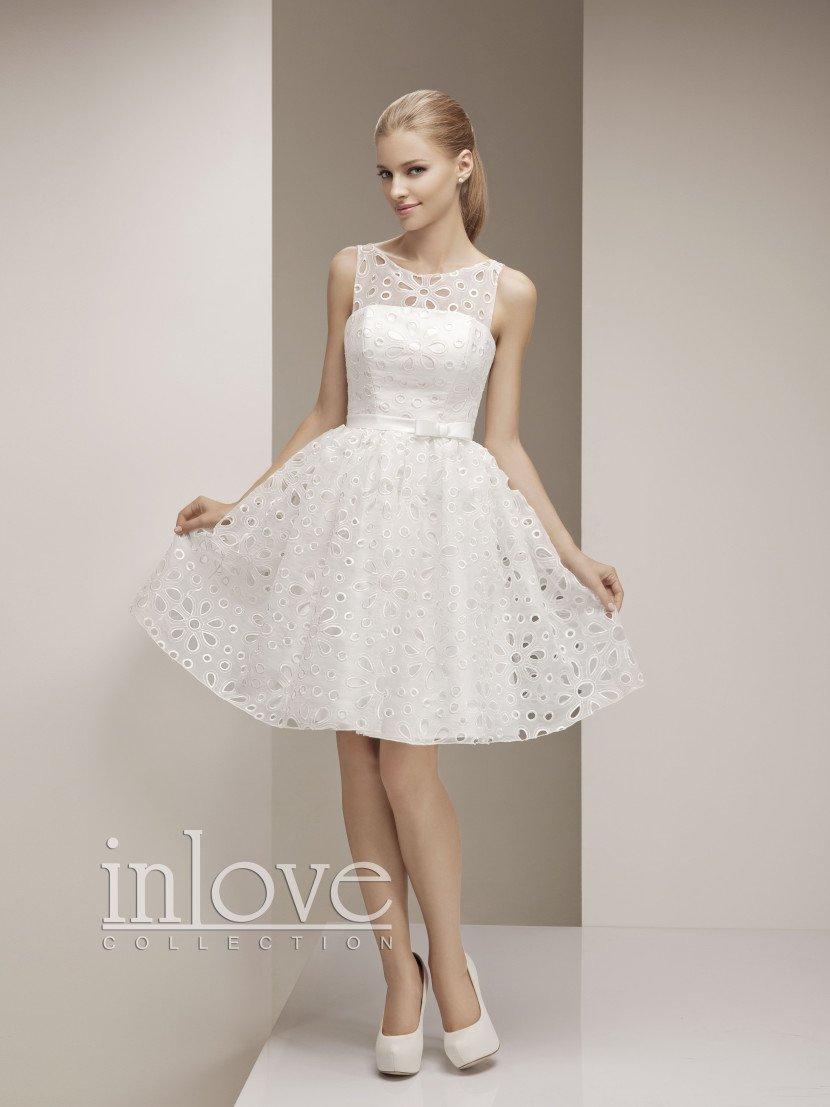 Недорогое свадебное платье для молодой девушки.