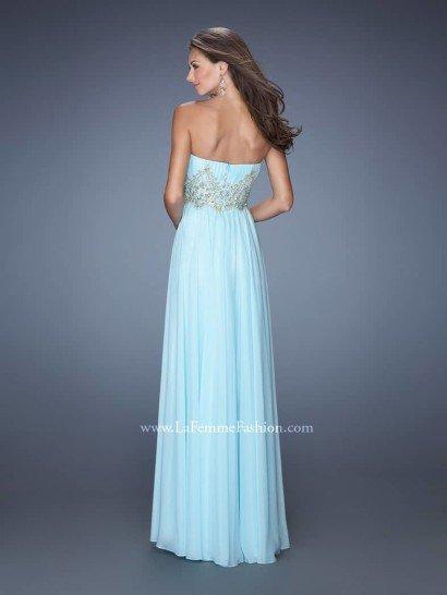 Соблазнительное голубое платье.