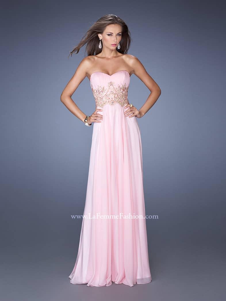 Вечернее розовое платье.