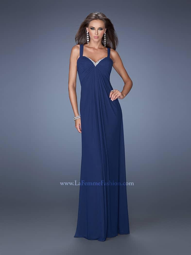 тёмно-синее вечернее платье в греческом стиле.