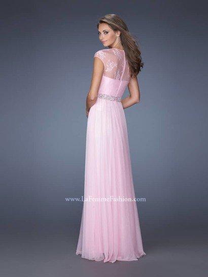 Недорогое длинное розовое вечернее платье.