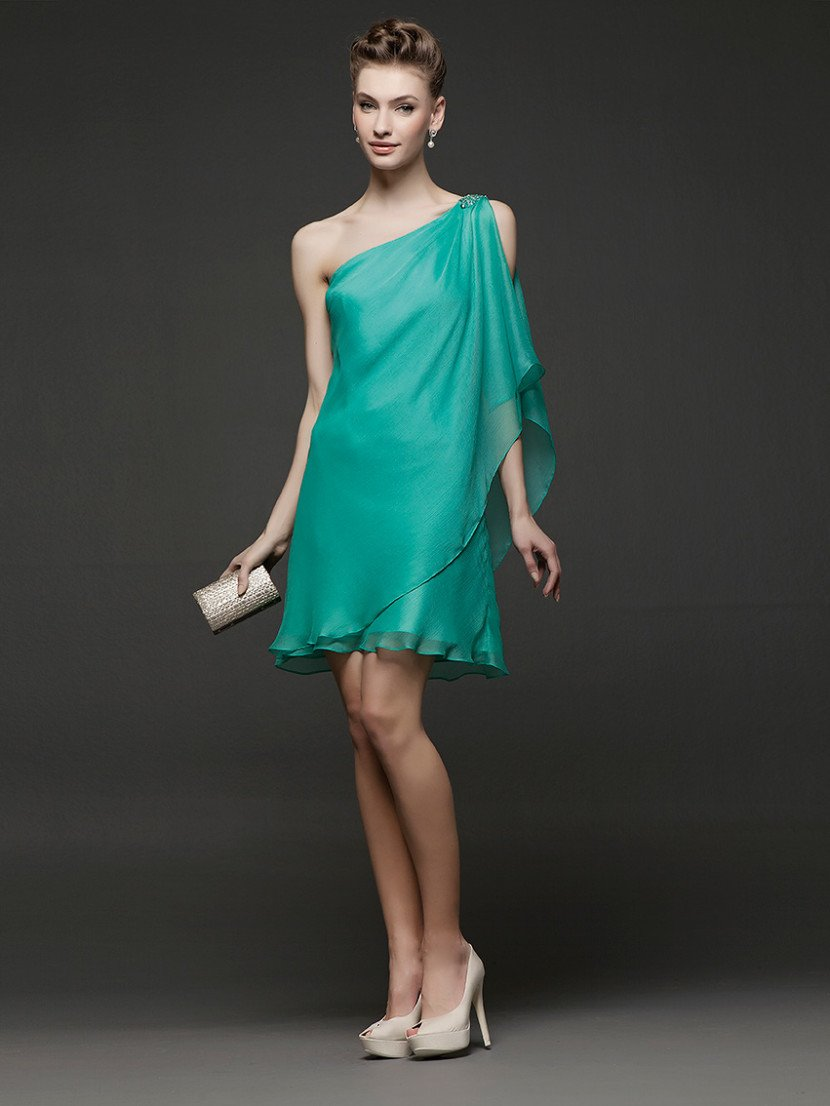 Лёгкое коктейльное платье из полупрозрачной органзы.