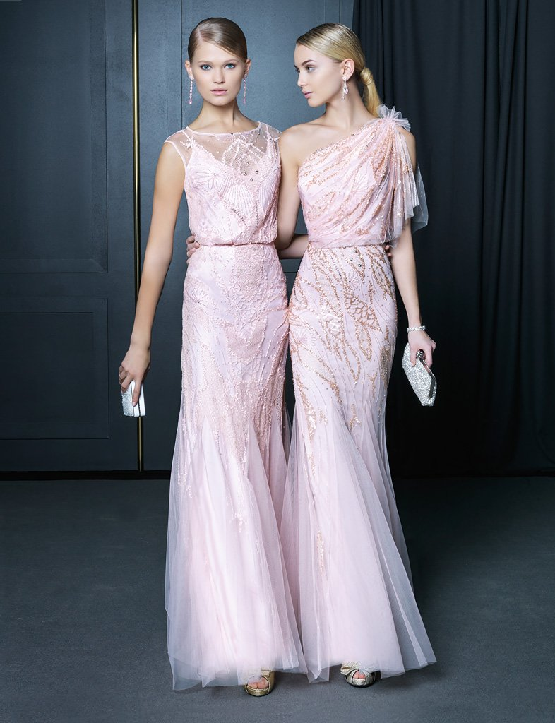 Вечернее платье сиреневато-розового оттенка.