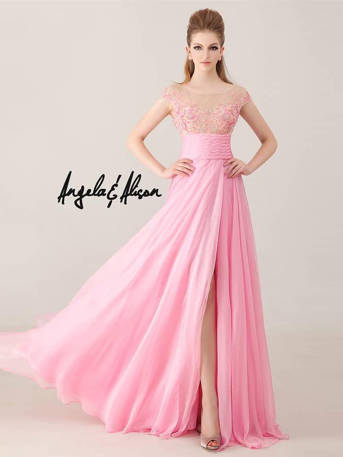 Нежное розовое вечернее платье для выпускного вечера.