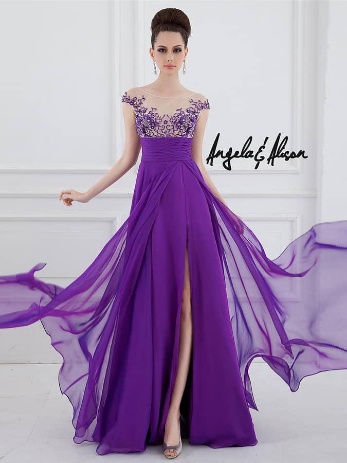 Нежное фиолетовое вечернее платье для выпускного вечера.