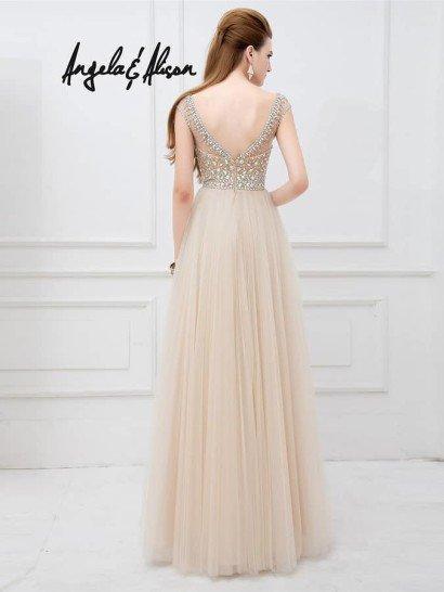Воздушное вечернее платье.
