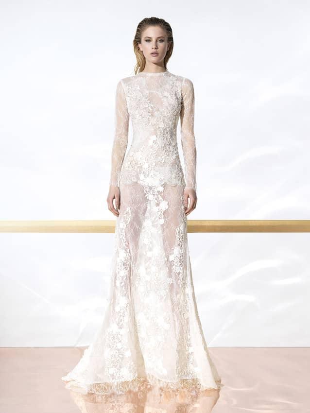 Полупрозрачное свадебное платье.