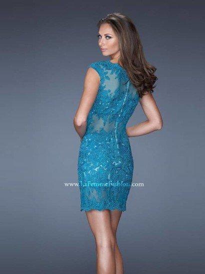 Коктейльное кружевное платье.