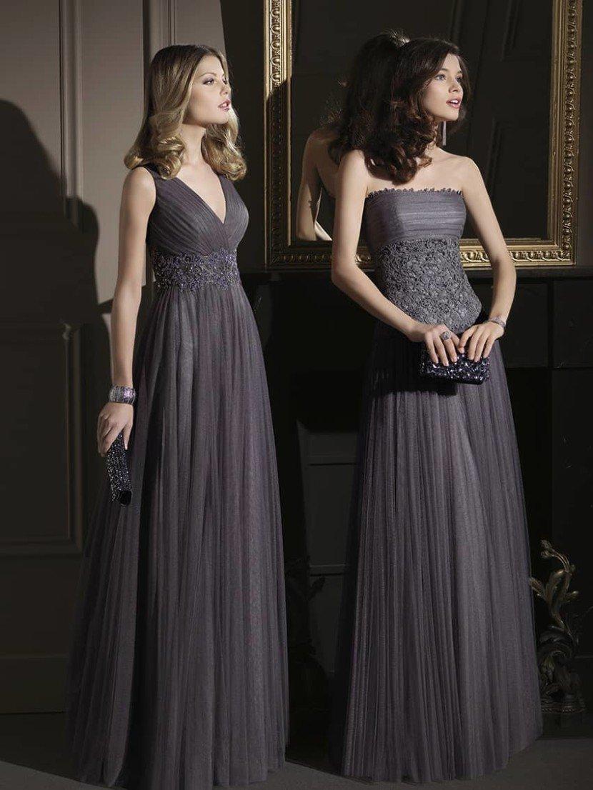 Изысканное прямое вечернее платье.