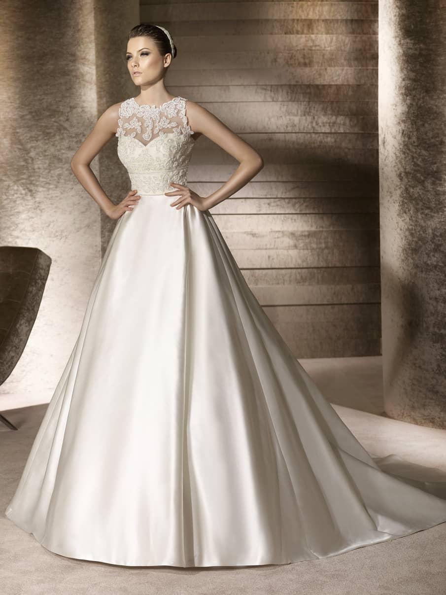 Атласные свадебные пышные платья