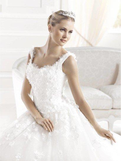Свадебное платье А-силуэта из коллекции 2015 года уже в салоне Виктория! ✆ +7 495 6276242