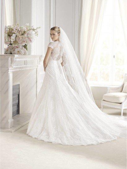Свадебное платье с заниженной талией.