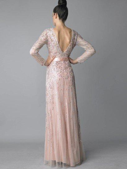 Изысканное вечернее платье.
